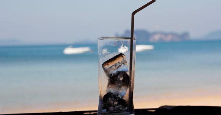 Aspartam , ett vanligt innehåll i sockerfria drickor